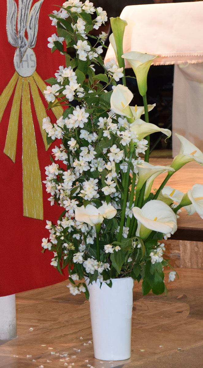 Sainte Croix en Retz fleurir en liturgie