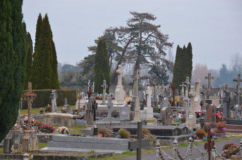 Machecoul St Même cimetière 44270