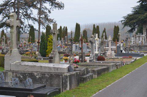 Paroisse ste croix en retz cimetière