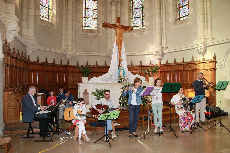 Paulx église 1ère communion 44270