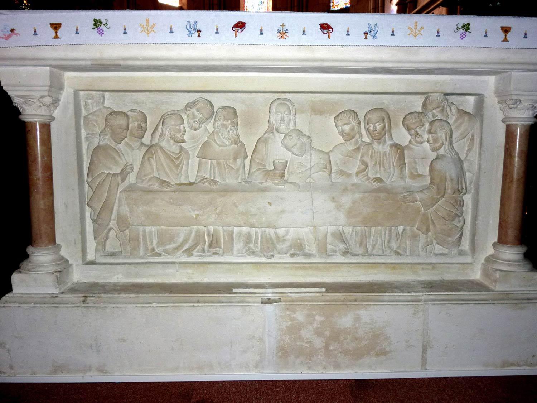 St Etienne de Mer Morte autel 44270