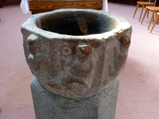 St Etienne de Mer Morte Baptistère 44270